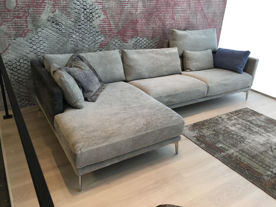 calia italia cado modern furniture seneca leather sofa with calia italia latest calia italia. Black Bedroom Furniture Sets. Home Design Ideas
